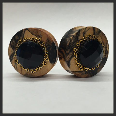 Black & White Ebony Black Gem Gold Setting