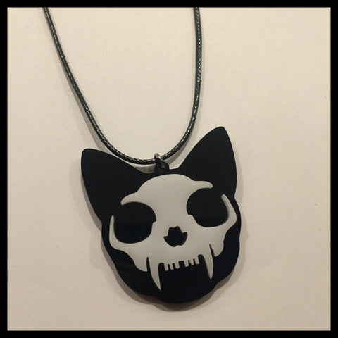 Scream  Necklace