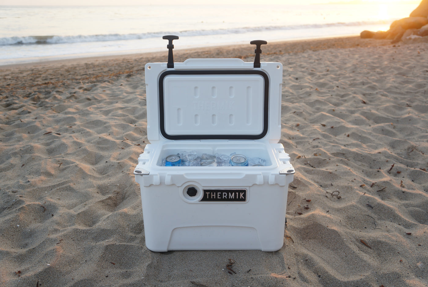 Thermik cooler at the beach