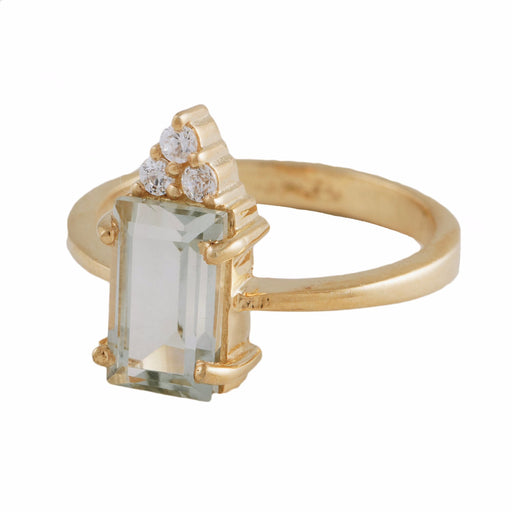 MIREYA -  Cocktail Ring with Green Amethyst