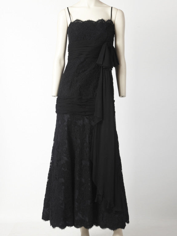 Carolyne Roehm Guipure Lace Gown