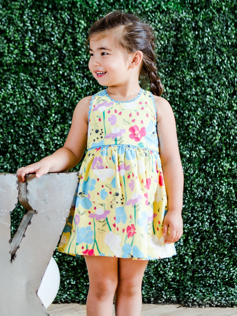 Kinderkind 2T 3T 4T 5T 6 7 kids apparel Baby clothes Children's clothing  Kids Fashion Kids clothing  toddler clothes machine washable  Playwear  Girls clothing  Girls Leggings Girls dresses  Girls Floral Ric Rac Dress Sleeveless dress with criss-cross back  Ric-rac trim on strap and yoke Front patch pockets Machine washable 100% cotton poplin