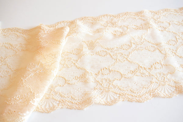 Renda elástica beige - Beige stretch lace