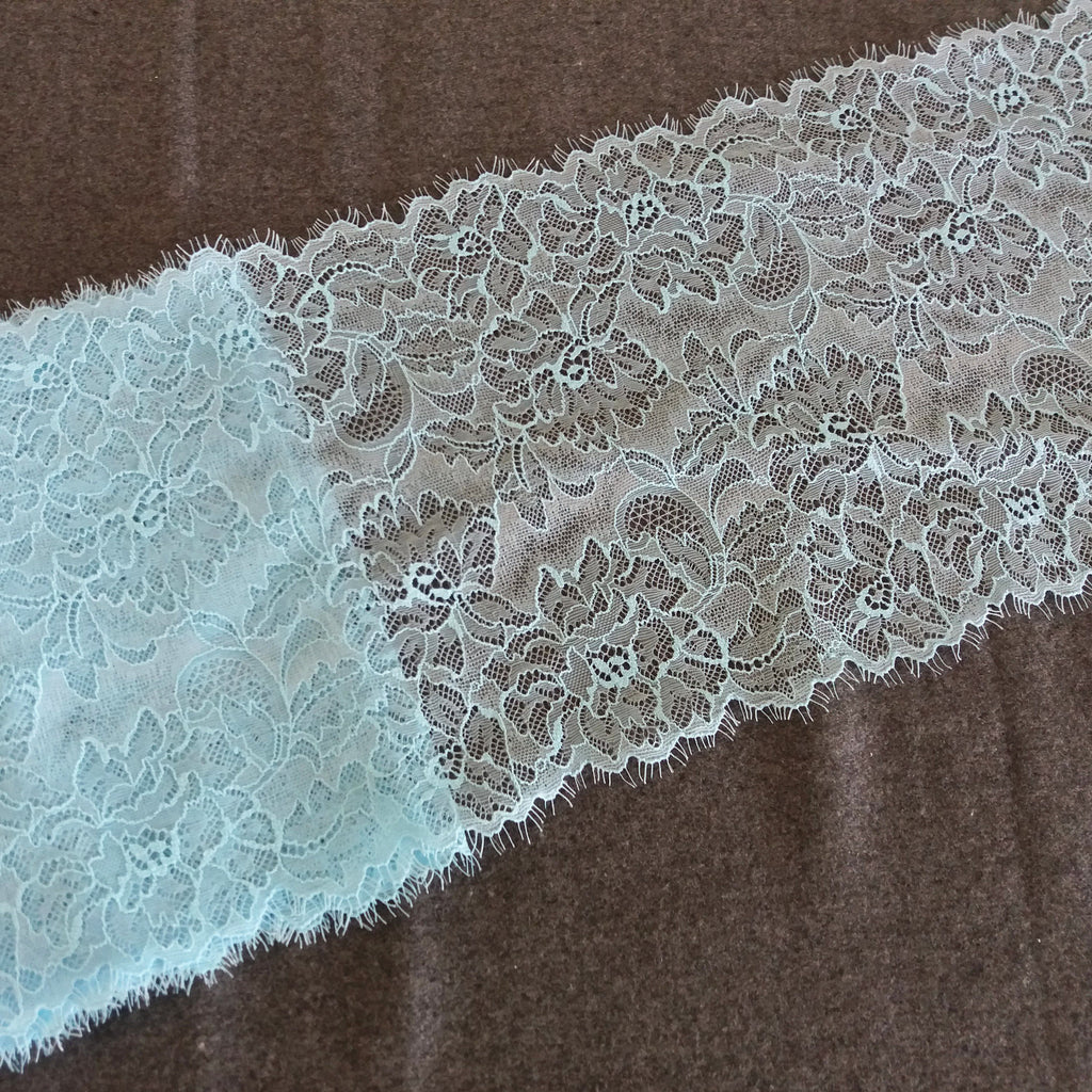 Renda elástica pestanas azul céu - Pale blue eyelash stretch lace