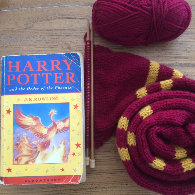 Book week : gryffindor scarf