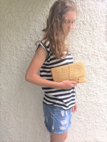 Kit: Cast Away Raffia Clutch