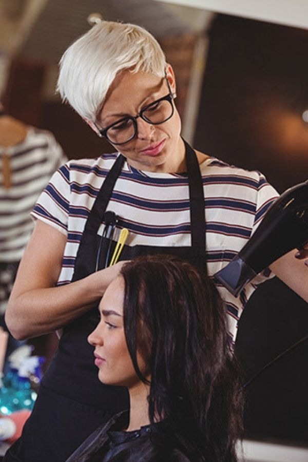 How to make sure you hire the right employees for your salon?
