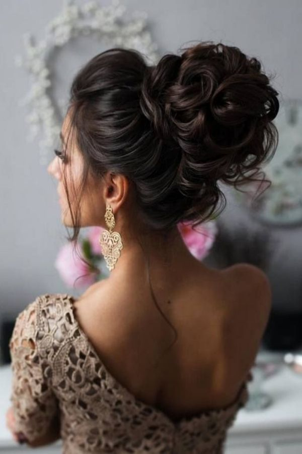 Easy Party Hairstyles that You Can Offer Your Clients With Long Hair