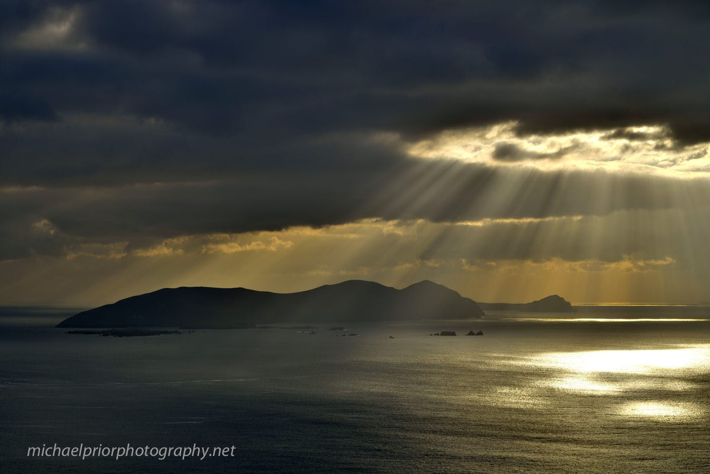Sunrays On The Great Blasket Island - Michael Prior Photography