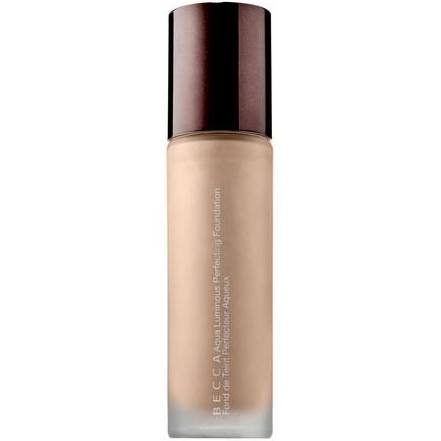 Aqua Luminous Perfecting Foundation in Porcelain
