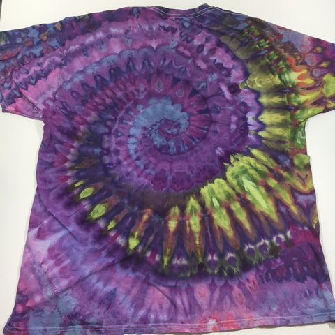 Here's one of the shirts, after we left the batch to sit for 24 hours. You can see that the dye has soaked down through the ice and settled in the fibers of the t shirt!