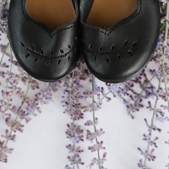 Adelisa & Co's handmade leather Cosecha mary janes for little girls with leaf detail.