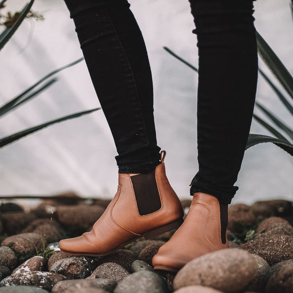 Viajero Chelsea Boot {Women's Leather Boots}