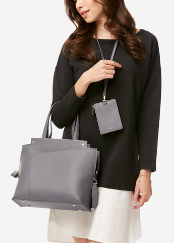 VERA BRIDGET Bag & Badge in Paris Gray