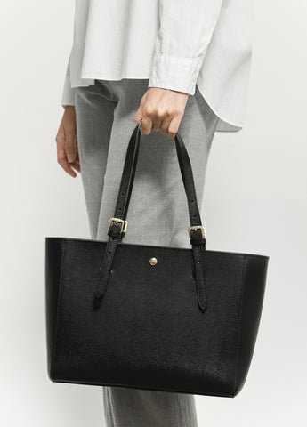 VERA The First Bag in Black