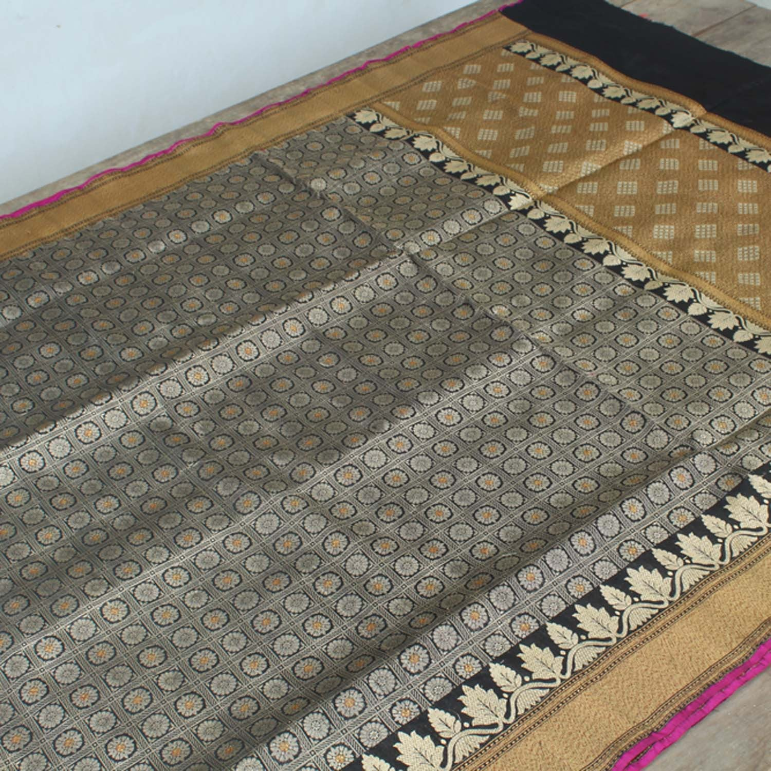 Black Pure Silk Georgette Handloom Banarasi Saree - Tilfi - 2