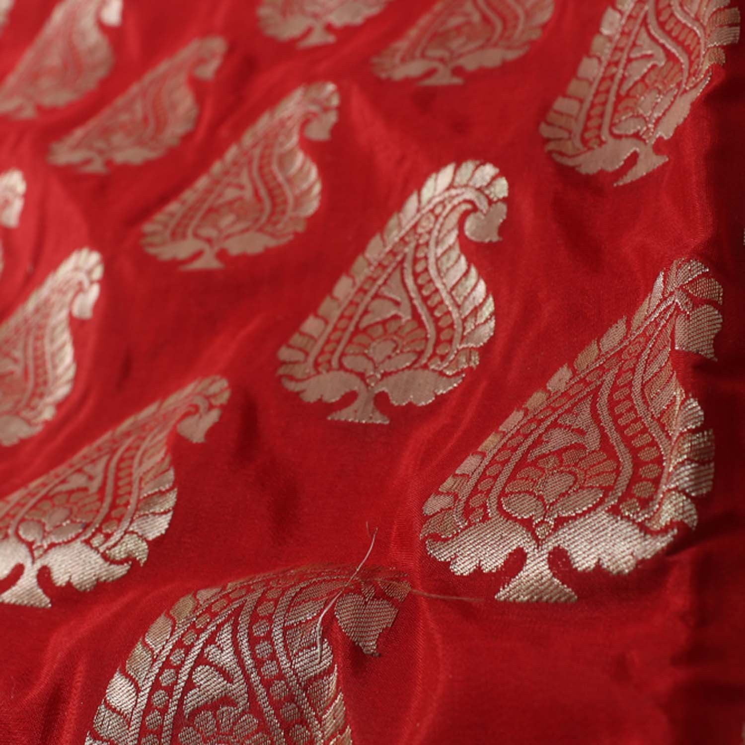 Red Pure Silk Georgette Banarasi Handloom Saree - Tilfi - 4