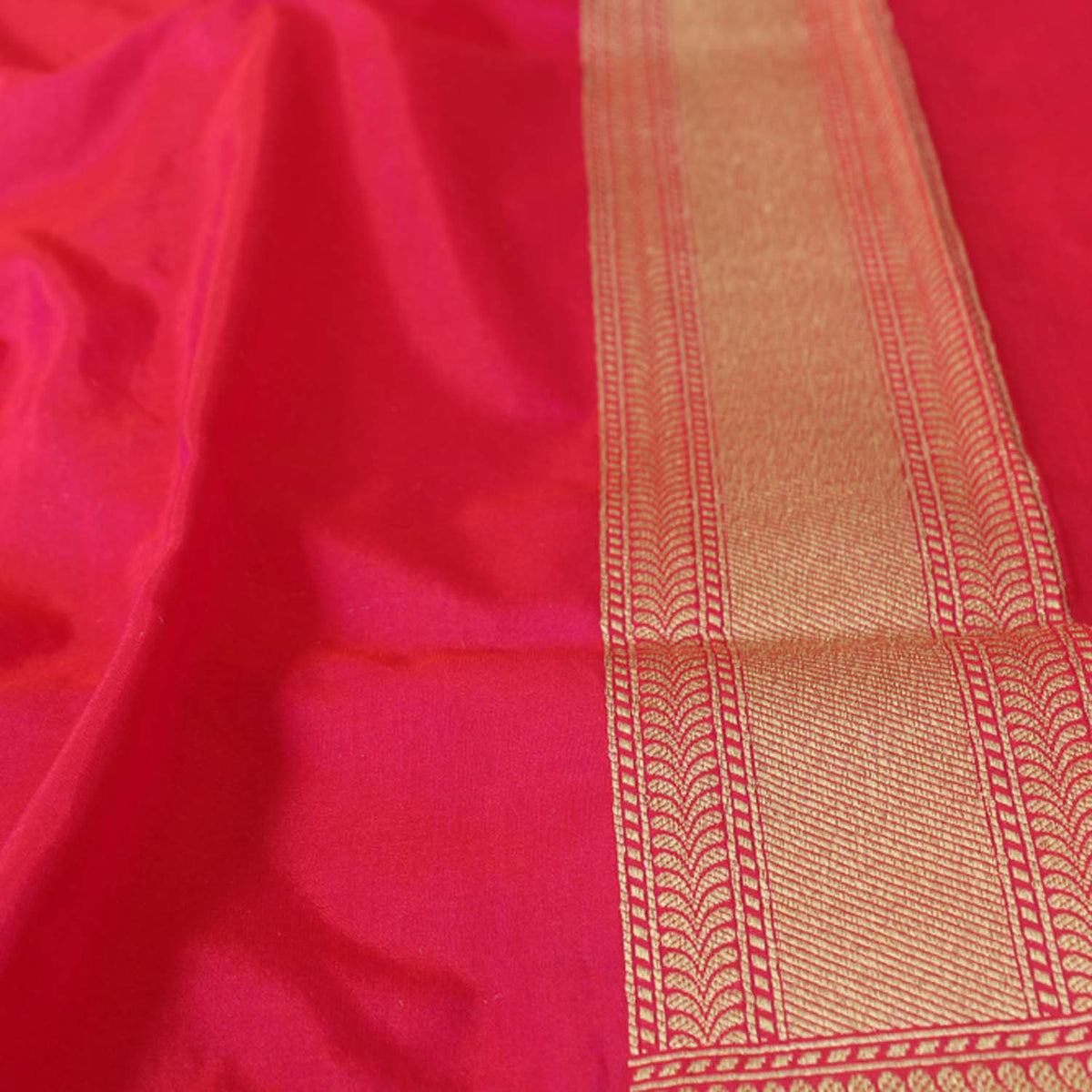 Orange-Indian Pink Pure Silk Georgette Banarasi Handloom Saree - Tilfi