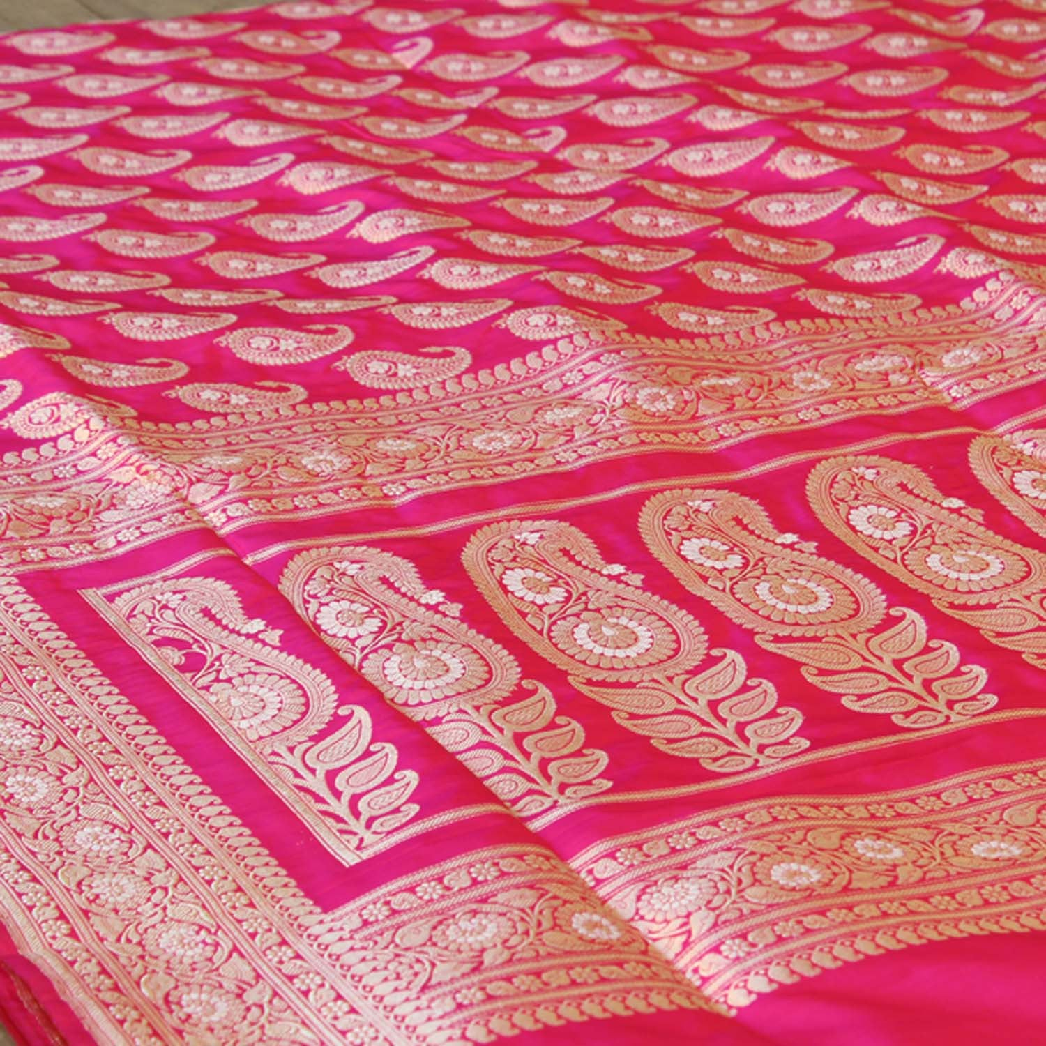 Red-Indian Pink Shot Color Pure Katan Silk Banarasi Handloom Saree - Tilfi - 2
