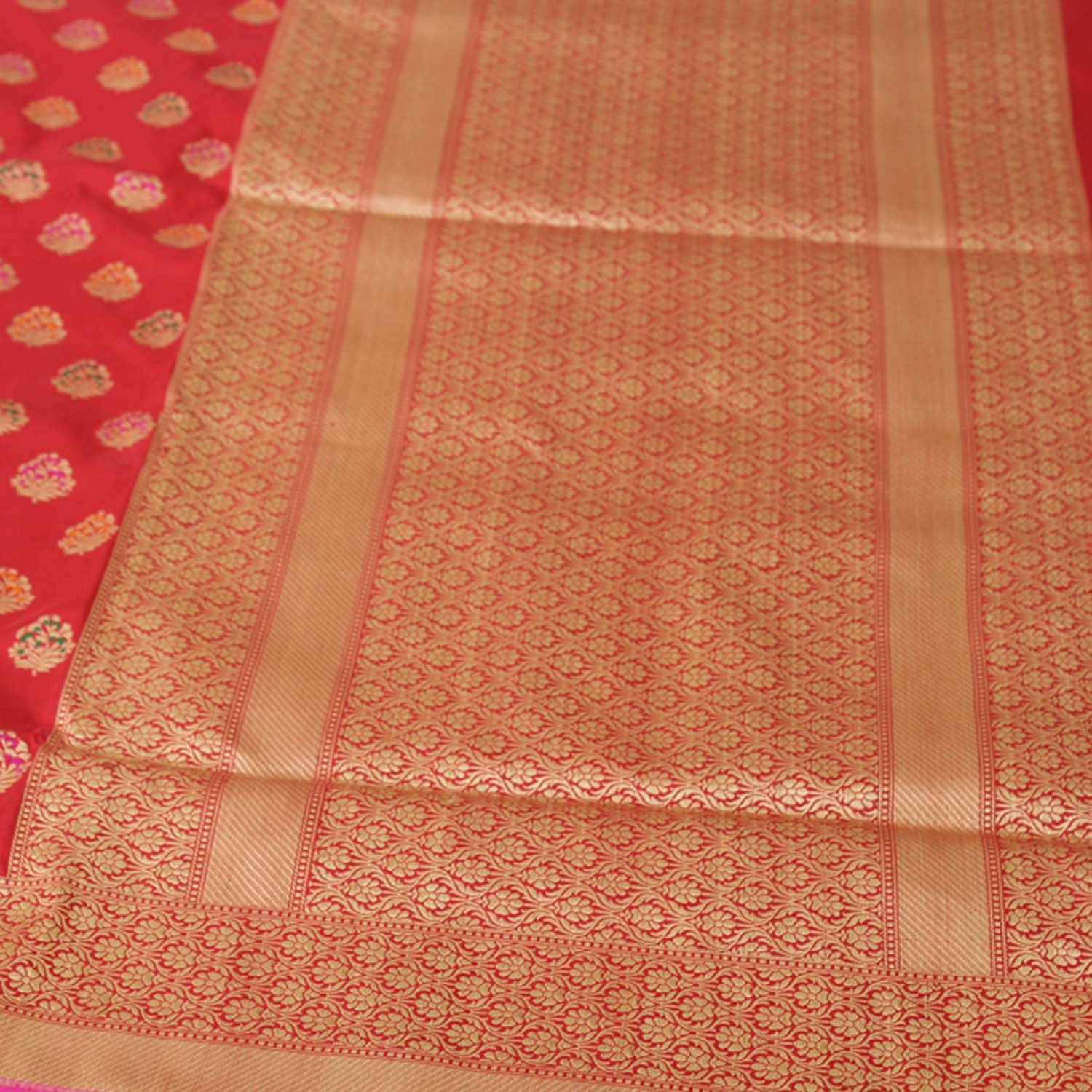 Red Pure Katan Silk Kadwa Banarasi Handloom Saree - Tilfi - 2