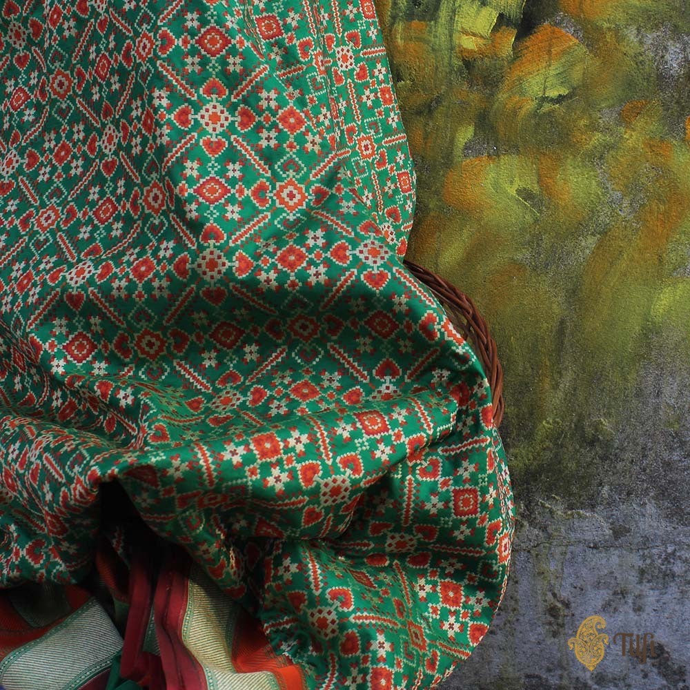 Green Pure Silk Georgette Banarasi Patola Handloom Saree