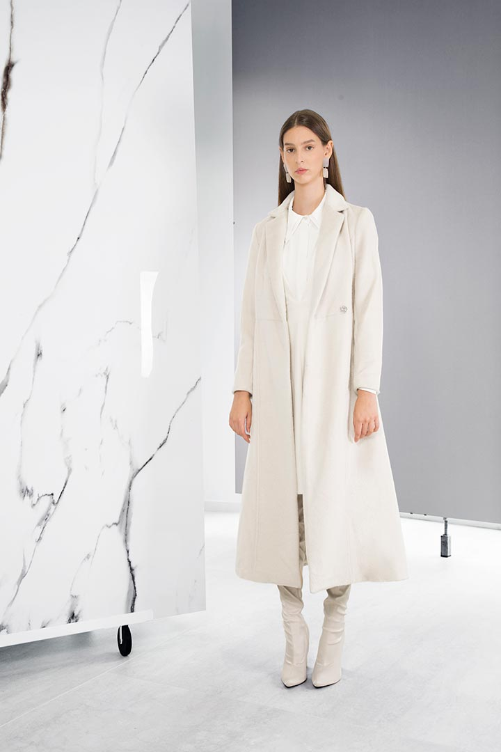 Crème Baby Lama & Virgin Wool Coat - Shopyte