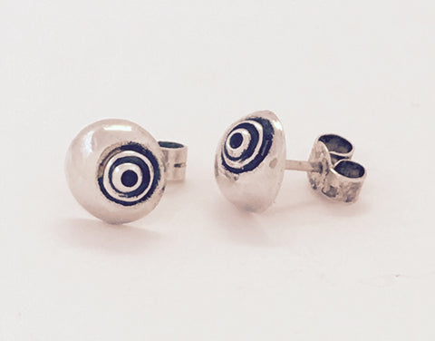 silver & oxidised shell stud earrings