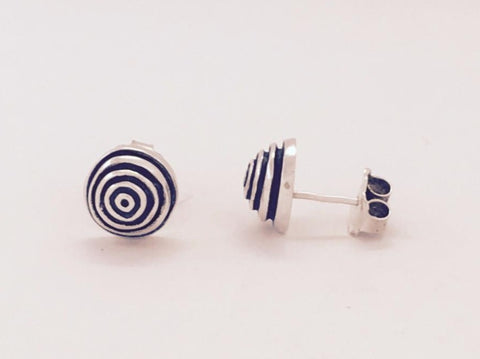 solid silver lined stud earrings