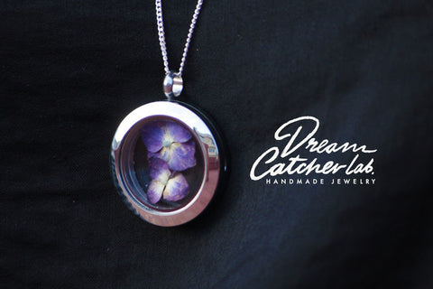 Necklace Eco-Chic Violet Flower Glass Locket in Stainless Steel