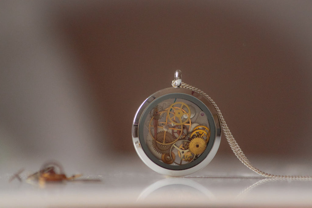 Necklace Universe ClockWork Glass Locket