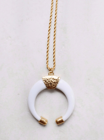 Stay Wild Necklace White