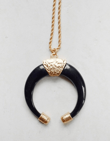 Stay Wild Necklace Black