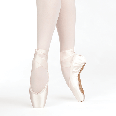 Almaz Pointe Shoe