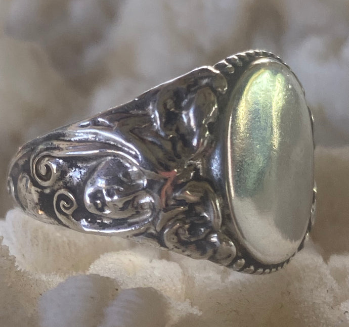 Gorgeous Signet Ring Art Nouveau Figural sz 9