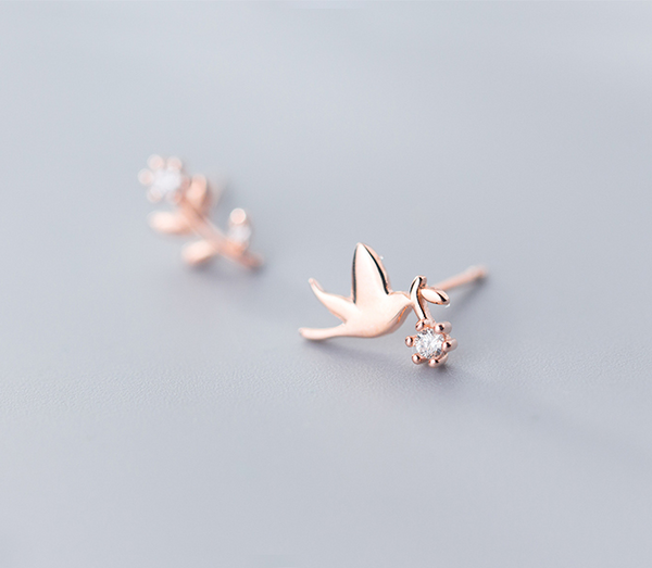 Asymmetric flower bird earrings