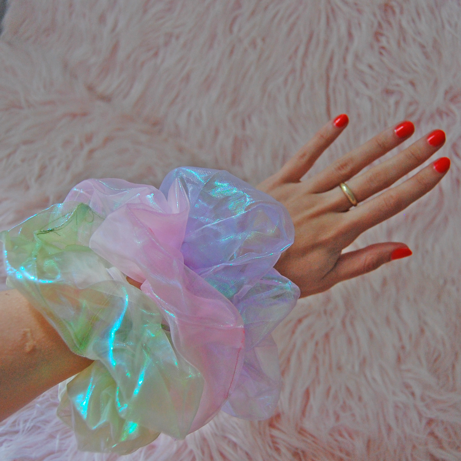 Oversized iridescent scrunchie