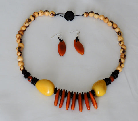 Tribe Queen Amazon Necklace