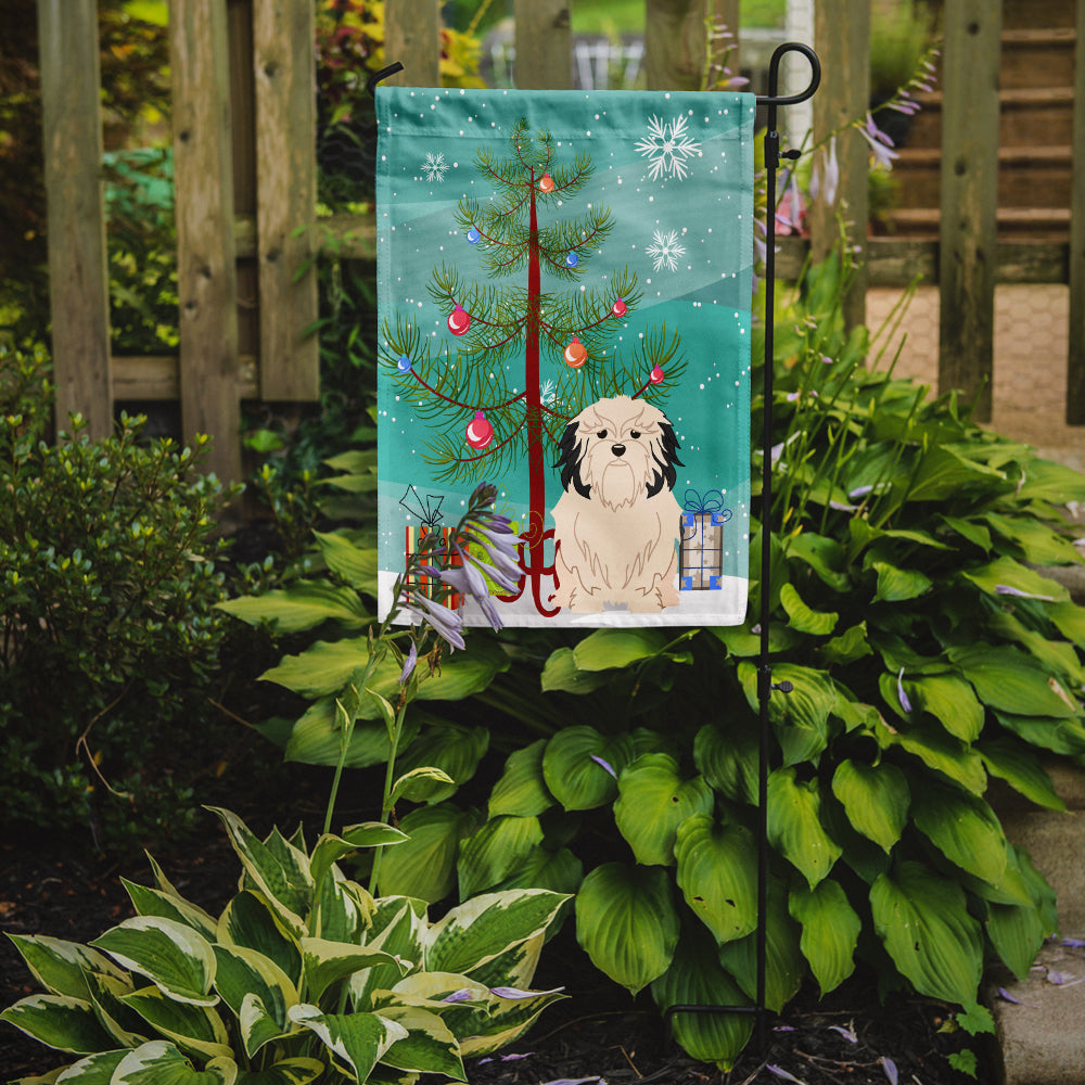 Merry Christmas Tree Lowchen Flag Garden Size BB4144GF by Caroline's Treasures
