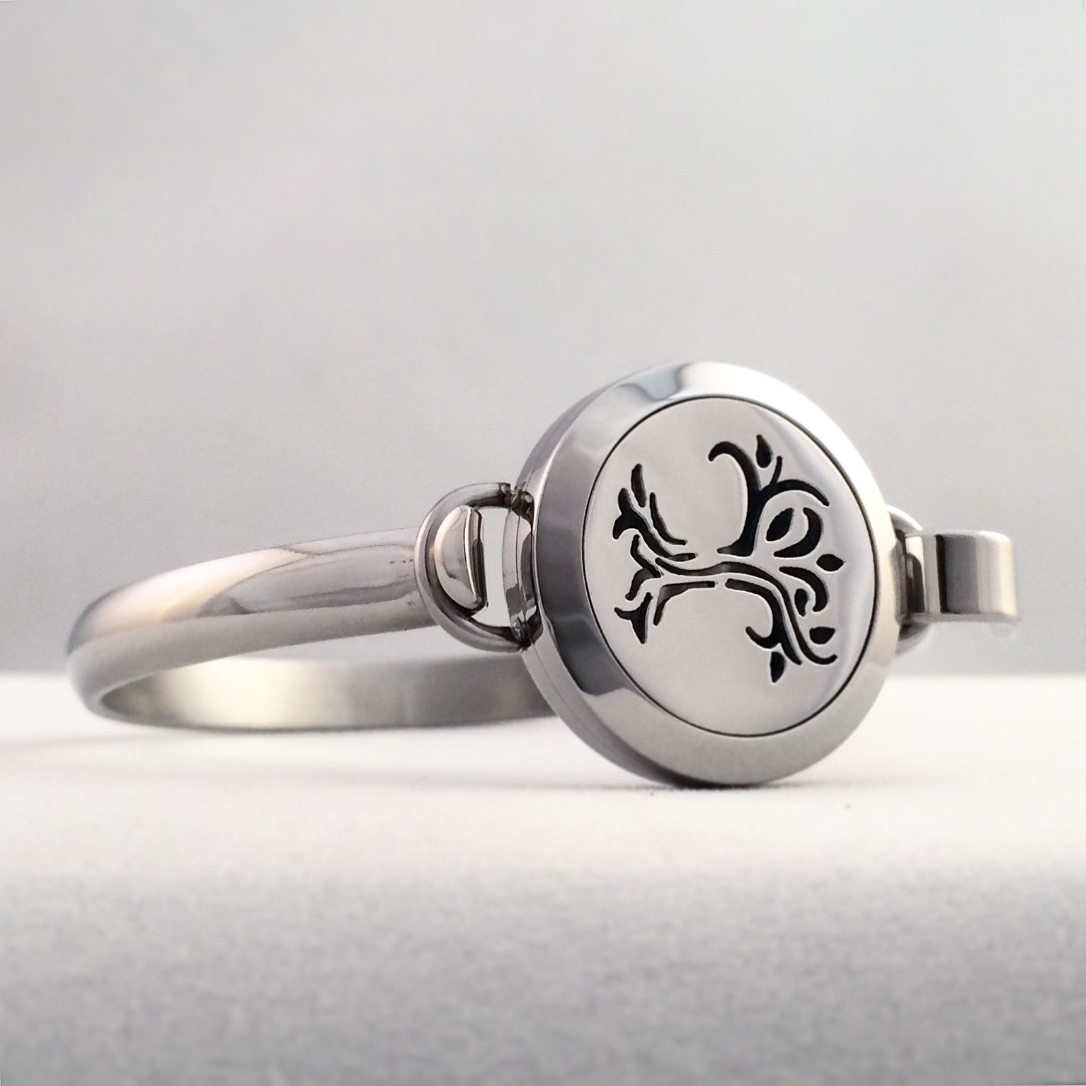 Stainless Steel Essential Oil Diffuser Bracelet tree of life