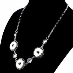 The Elegant 3-Snap Necklace