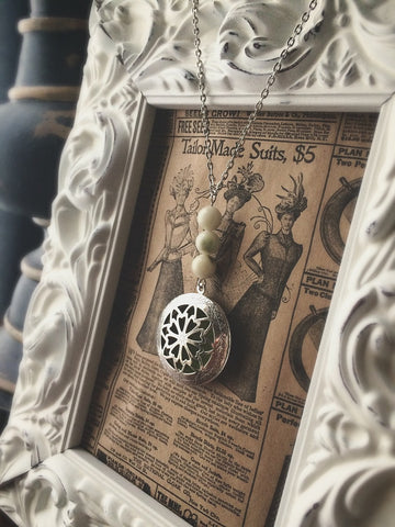 Essential Oil Locket Diffuser Necklace - New Jade Serpentine