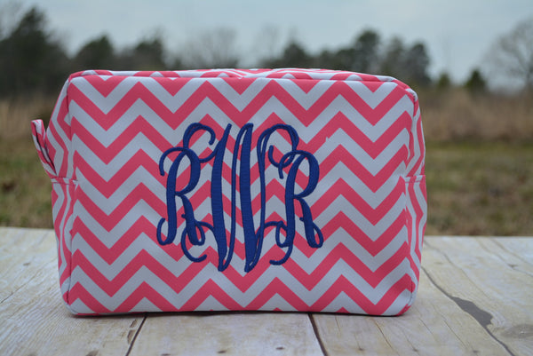 Monogrammed Make Up Bag - Monogrammed Cometics Case - Chevron Make Up Bag  - Toiletry Bags - Bridal Party Gifts - Make Up Case