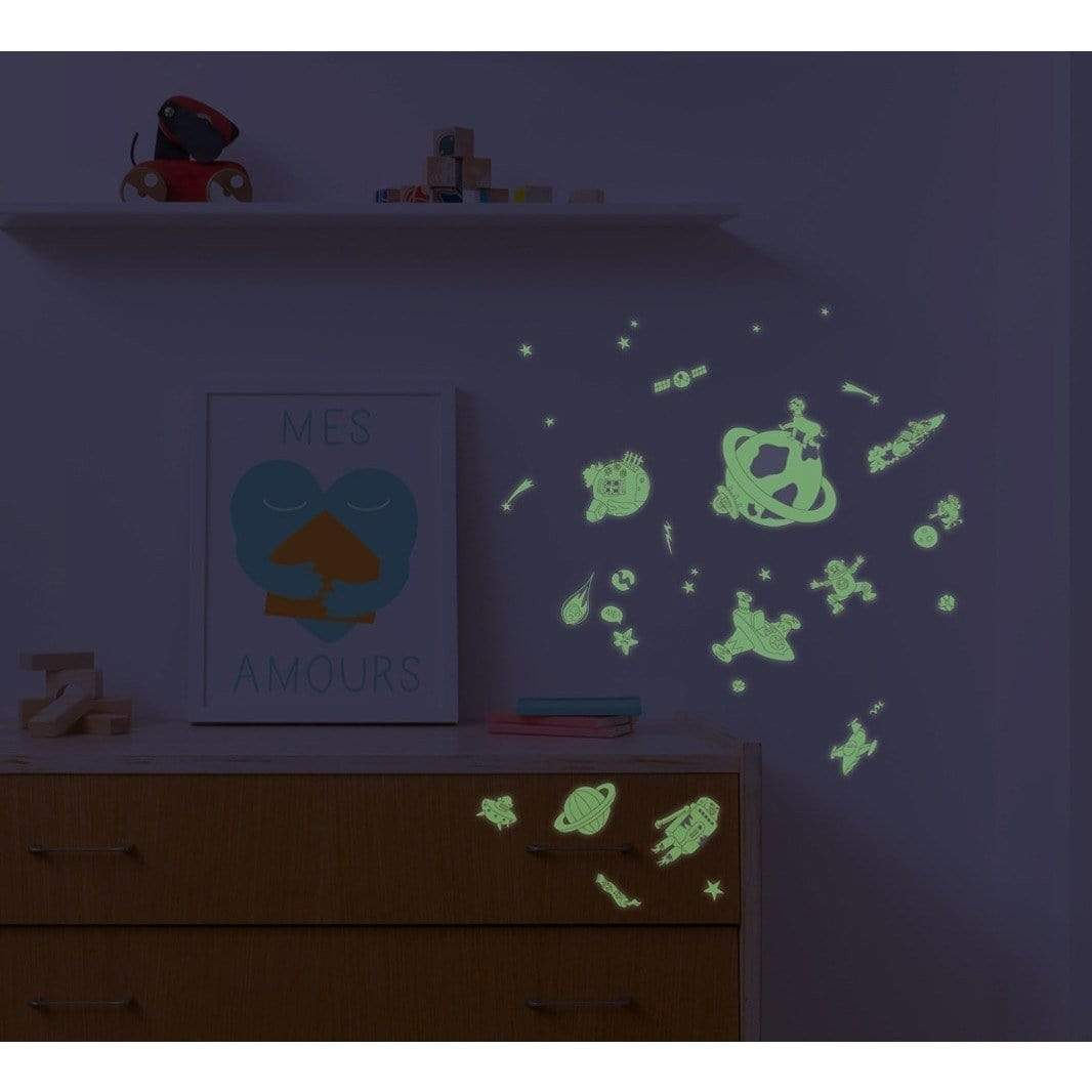 100 Wall Removable Reusable Glow In The Dark Stickers - Cosmos