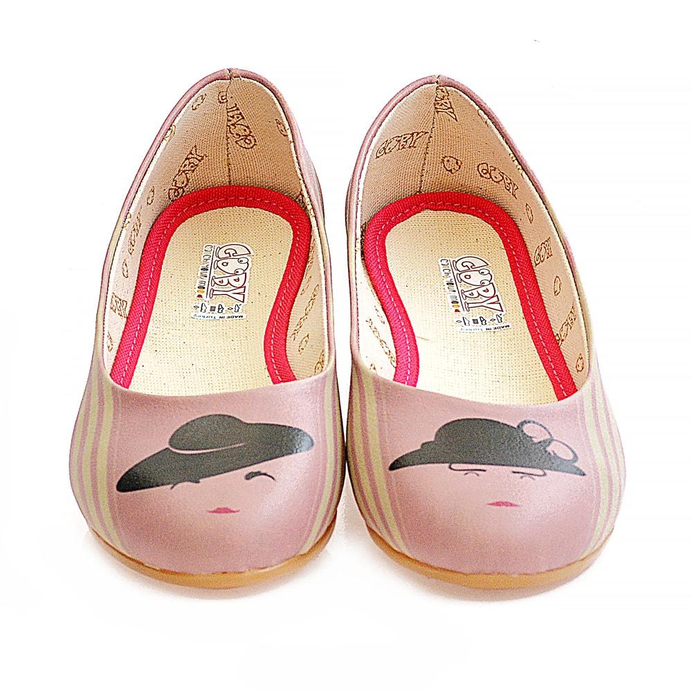 Woman in a Hat Ballerinas Shoes 1083
