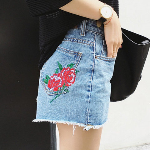 Embroidery Rose Denim Shorts