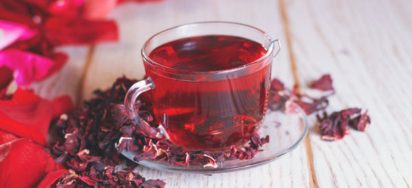 hibiscus tea in cup red
