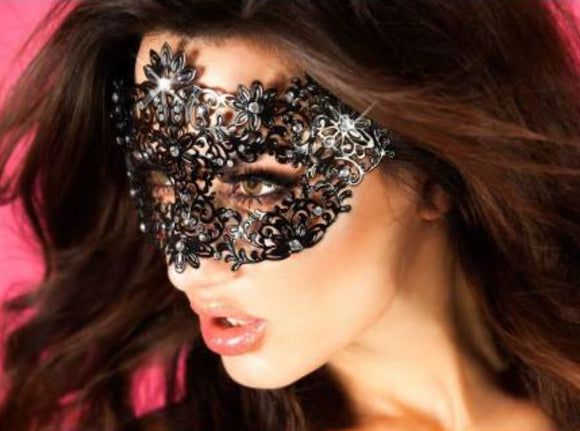 Chilirose mask from Ginger Candy lingerie