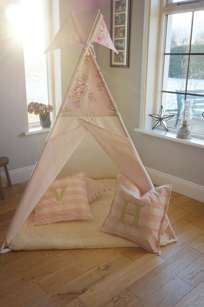 The Pink Floral Topper Teepee