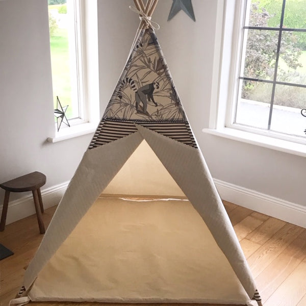 The Lemur Stripe Teepee Tent