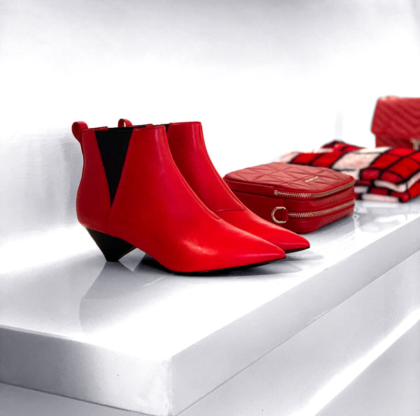 Must have: RED!